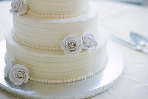 How to Make a Wedding Cake: Assembly and Finishing Touches