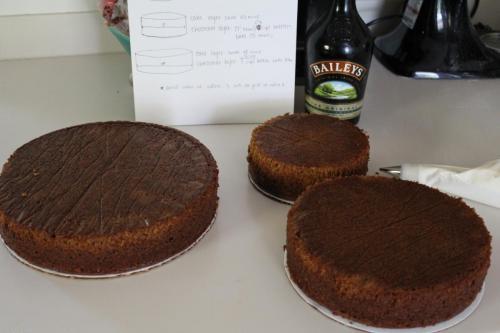 How to Make a Wedding Cake: Pumpkin Spice Cake