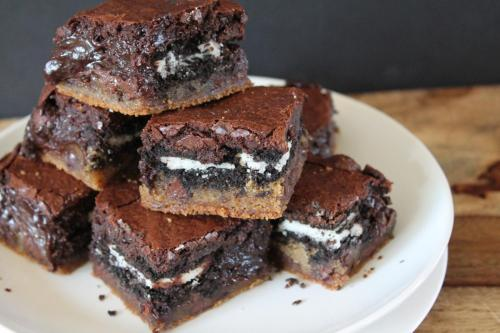 Chocolate Chip Cookies and Cream Brownie Bars