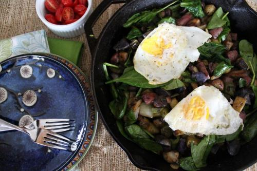 Breakfast Potato Skillet with Spinach and Eggs