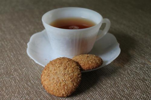 Honey Whole Wheat Tea Cakes